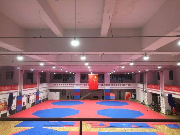 乌鲁木齐 – UFO工矿灯用于乌鲁木齐体育馆节能改造