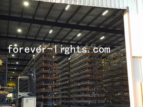 我司200W线条工矿灯用于澳大利亚大型货仓照明