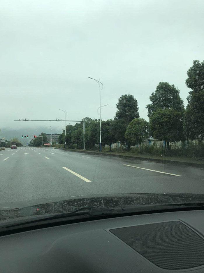 重庆 – 金刚路灯应用于重庆南川区